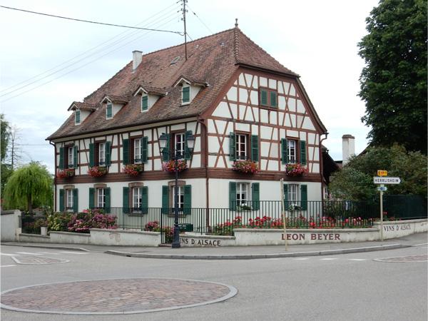 Eguisheim village roundabout
