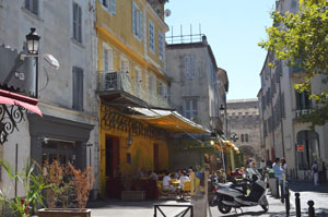 Arles Place du Forum and Van Gogh Cafe