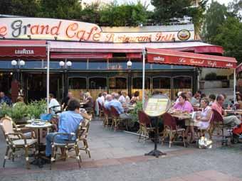 france food Paris cafe