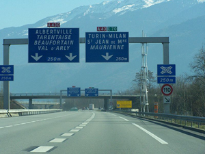 driving in france autoroute A43 A430