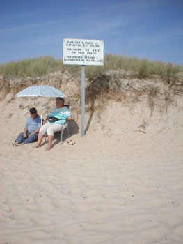 http://www.french-culture-adventures.com/images/french-beach-women-Nudist_beach_Kerminihy_between_Lorient_and_Quiberon_-sm.jpg